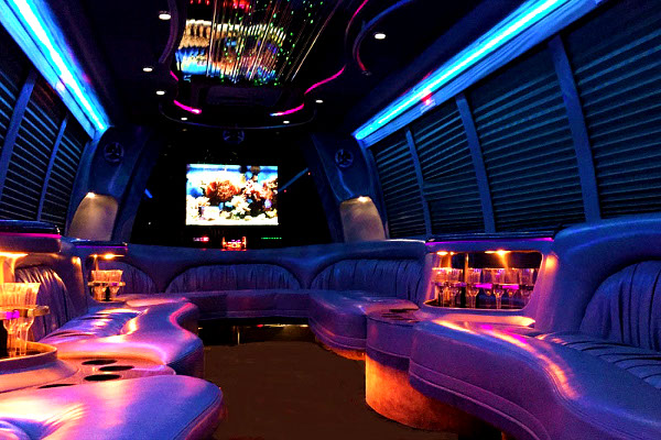 18 passenger party bus rentals cleveland