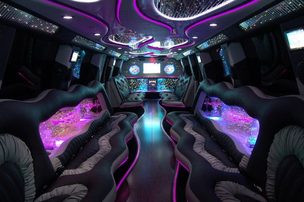 black hummer limo rentals cleveland