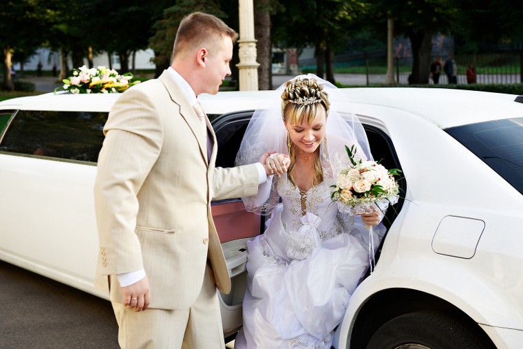 wedding transportation limo service Cleveland